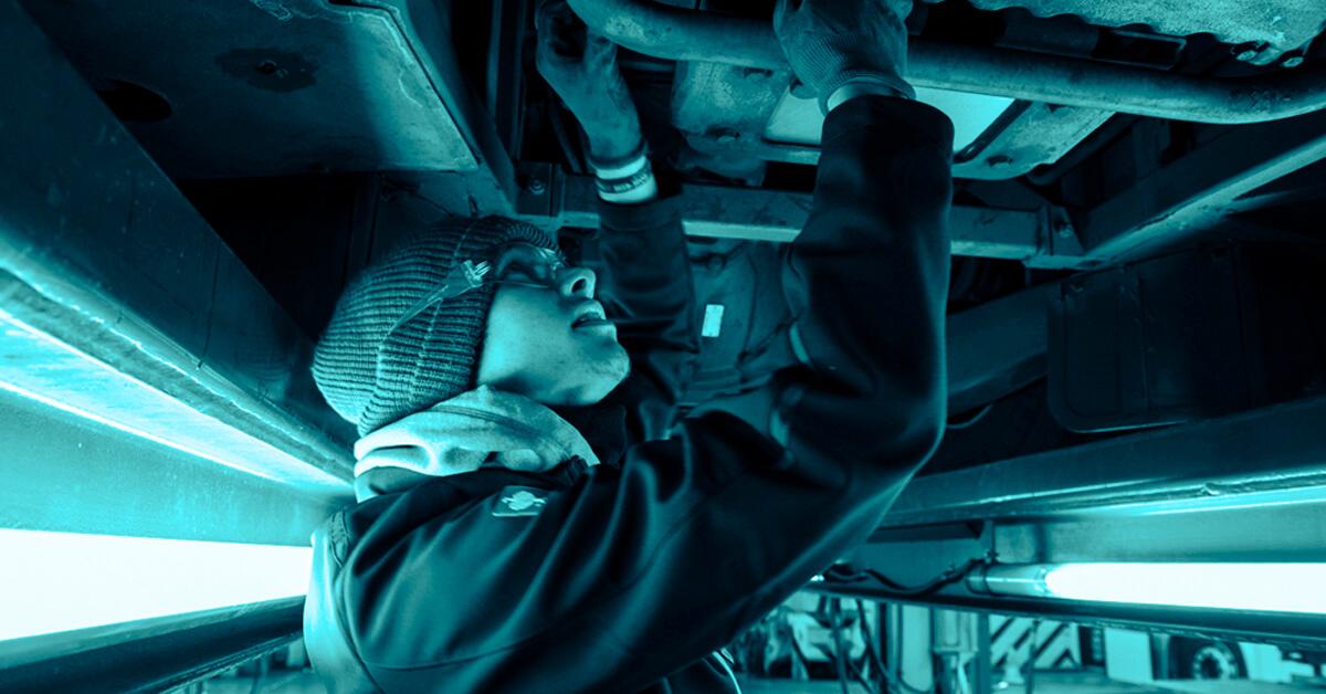 Manutenção periódica de ônibus previne imprevistos